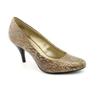 Bandolino Women's 'Courteous' Leather Dress Shoes