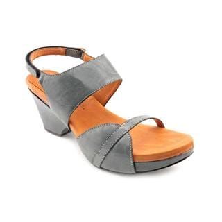 Gentle Souls Women's 'Dolling Le' Leather Sandals