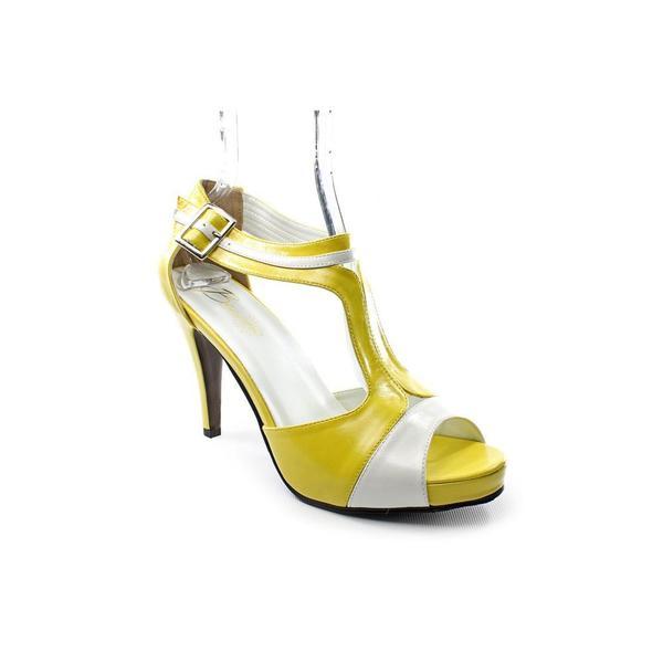 Beacon Women's 'Stella' Leather Sandals (Size 8.5 )