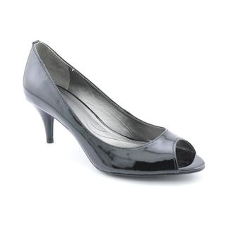 Tahari Women's 'Marie' Patent Leather Dress Shoes (Size 6 )