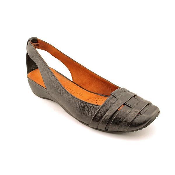 Gentle Souls Women's 'It's So Fun' Leather Casual Shoes (Size 5.5 )