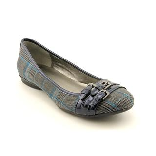 Bandolino Women's 'Get the Look' Basic Textile Casual Shoes