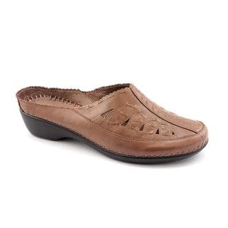 Easy Spirit Women's 'Dolly' Leather Dress Shoes - Narrow