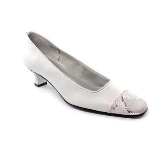 Mezzo Women's 'Rickie' Leather Dress Shoes - Wide (Size 8.5 )