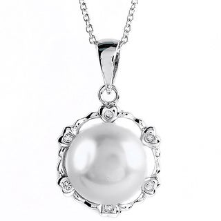 Kabella Jewelry Freshwater Pearl Cubic Zirconia Heart Circle Silver Necklace (11-12 mm)