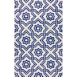 nuLOOM Hand-tufted Indoor/ Outdoor Trellis Ivory Rug (5' x 8')