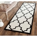 Safavieh Handmade Moroccan Cambridge Ivory/ Black Wool Rug (2'6 x 8')