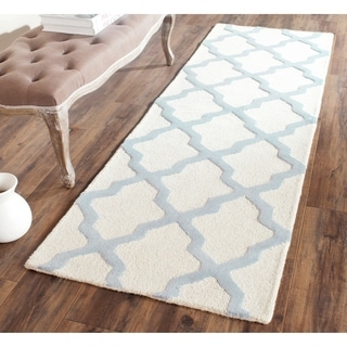Safavieh Handmade Moroccan Cambridge Ivory/ Light Blue Wool Rug (2'6 x 8')