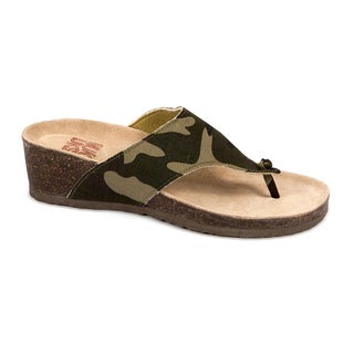 Muk Luks Women's 'Cara' Camo Print Wedge Sandals