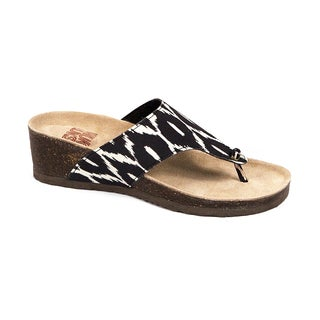 Muk Luks Women's 'Cara' Black and White Printed Wedges