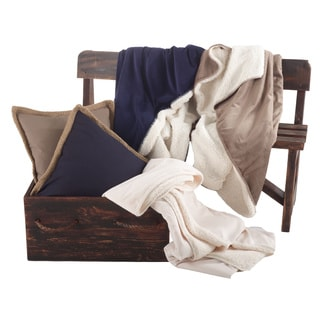 Classic Design Sherpa Throw Blanket