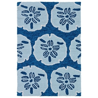 Luau Blue Sand Dollar Indoor/ Outdoor Area Rug (2' x 3')