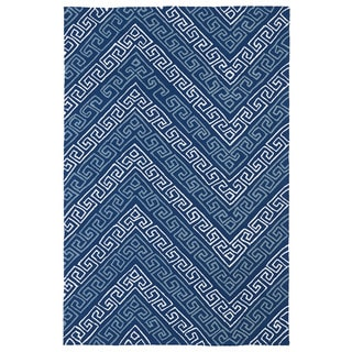 Indoor/ Outdoor Luau Blue Chevron Rug (7'6 x 9')