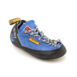 Five Ten Boy (Youth) 'Spire Climbing' Fabric Athletic Shoe (Size 3.5 )
