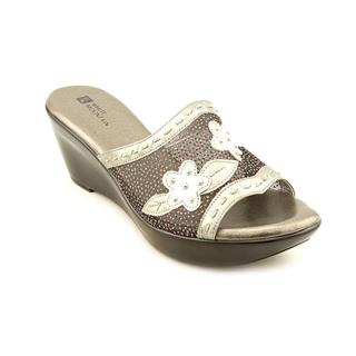 White Mountain Women's 'Rosepetal' Synthetic Sandals (Size 8.5 )