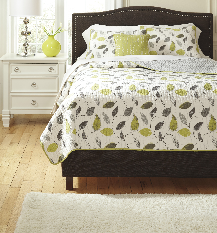 Signature Designs by Ashley Vine Likely Kiwi Comforter Set
