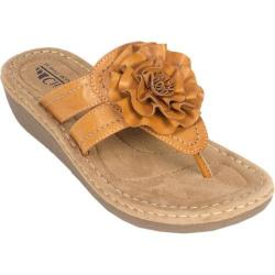 Women's Cliffs by White Mountain Charter Honey Burnished Smooth