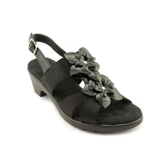 Walking Cradles Women's 'Nova' Leather Sandals