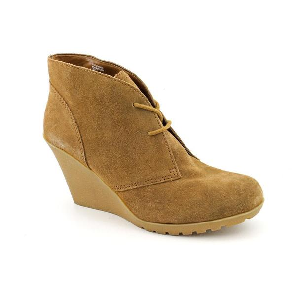 White Mountain Women's 'Icon' Regular Suede Boots