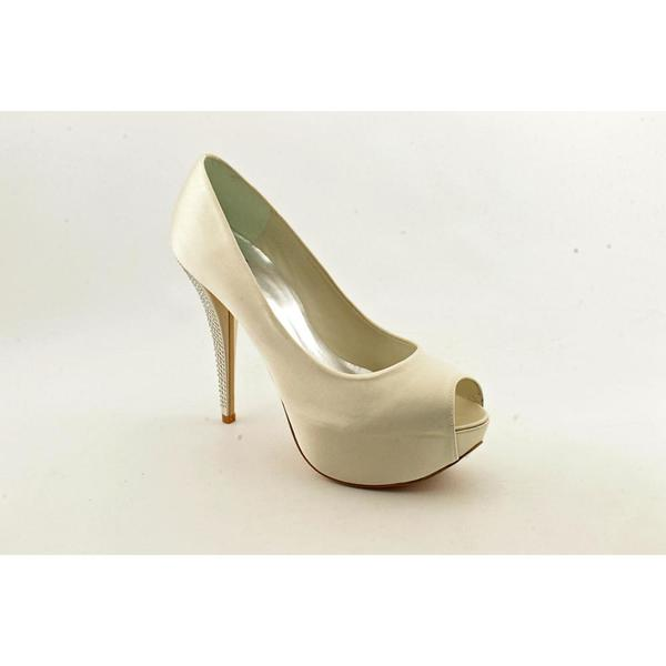 Stuart Weitzman Women's 'Gloso' Satin Dress Shoes (Size 9)