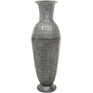 Hand-crafted Silvertone Wrought Iron Fluted Flower Vase (China)