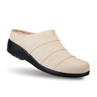 Gravity Defyer's Women Daisy Cream Clogs