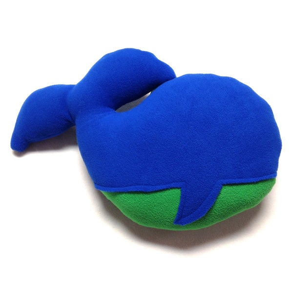 Superflykids 'Melville' Blue/ Green Large Plush Whale Toy