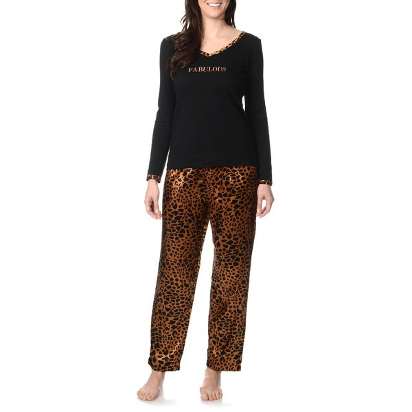 SoulMates Women's 'Fabulous' Animal Print Pajama Set