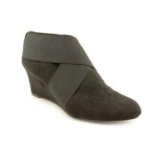 Tahari Women's 'Savannah' Regular Suede Boots