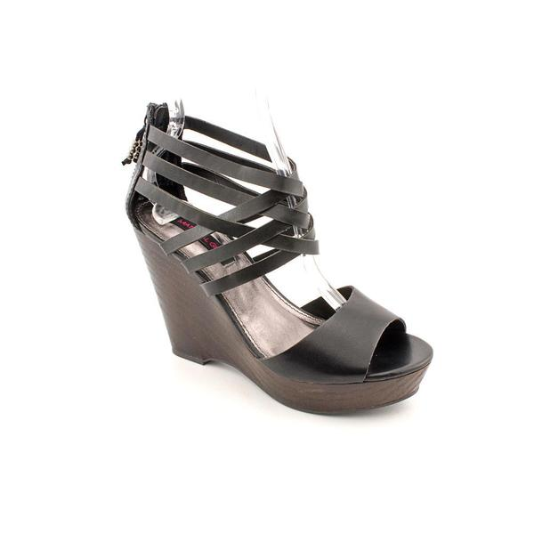 Material Girl Women's 'Twister' Leather Sandals (Size 11 )