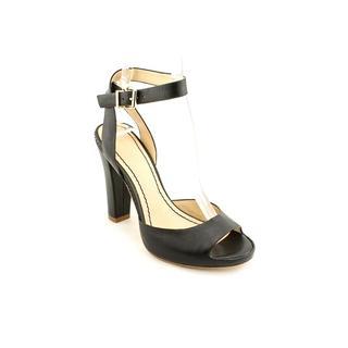 Pour La Victoire Women's 'Violeta' Leather Sandals (Size 6.5 )
