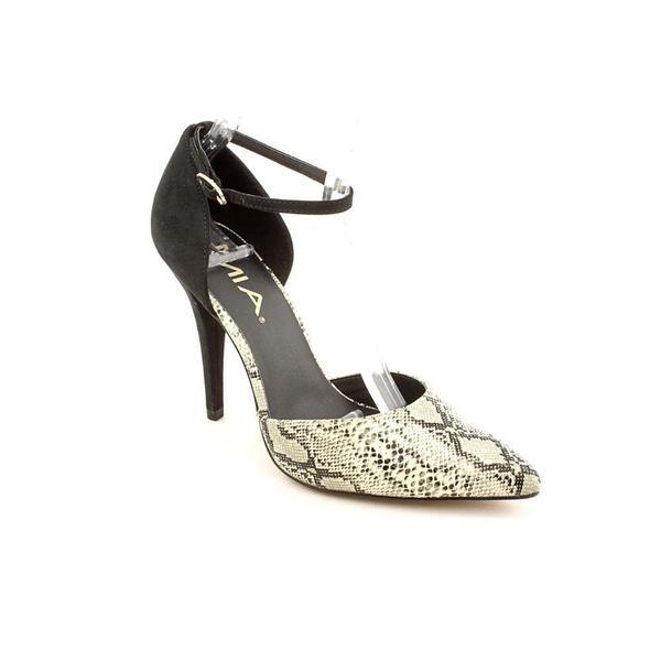 Mia Women's 'Bennett' Leather Sandals