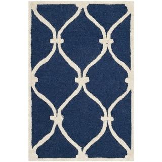 Safavieh Handmade Moroccan Cambridge Navy/ Ivory Wool Rug (2'6 x 4')