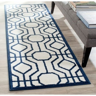 Safavieh Amherst Indoor/ Outdoor Ivory/ Navy Rug (2'3 x 7')