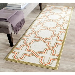 Safavieh Amherst Indoor/ Outdoor Ivory/ Light Green Rug (2'3 x 7')