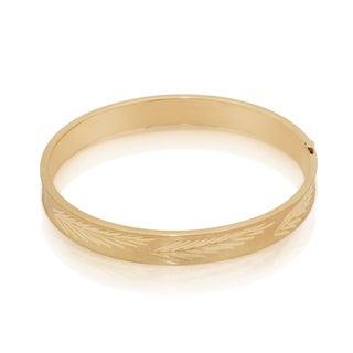 Gioelli 14k Yellow Gold Diamond-cut Feather Bangle