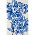 Isaac Mizrahi by Safavieh Porcelain Flower Ivory/ Blue Wool Rug (4' x 6')