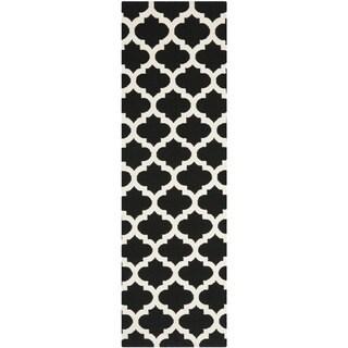 Safavieh Hand-woven Moroccan Reversible Dhurries Black/ Ivory Wool Rug (2'6 x 7')