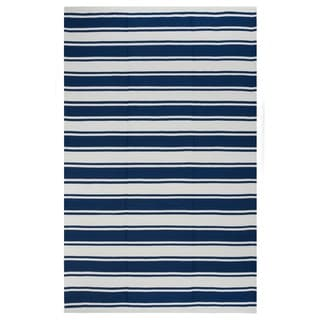 Indo Hand-woven Lucky Bright White/ Turkish Sea Blue Stripe Area Rug (4' x 6')