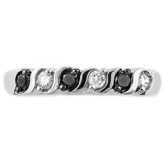 Beverly Hills Charm 10k White Gold 1/4ct TDW Black and White Diamond Stackable Band Ring (H-I, I2-I3)