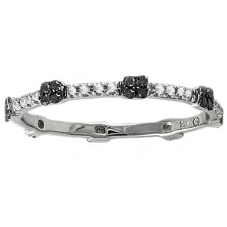 Beverly Hills Charm 10k White Gold 1/5ct Black and White Diamond Stackable Wedding Band (H-I, I2-I3)