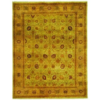Safavieh Hand-knotted Lavar Light Green/ Peach Wool Rug (6' x 9')