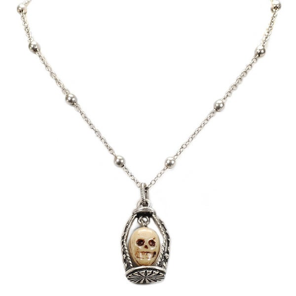 Sweet Romance Dungeon Skull Necklace