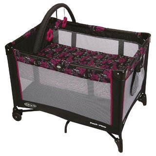 Graco Pack 'n Play On The Go Playard in Ariel