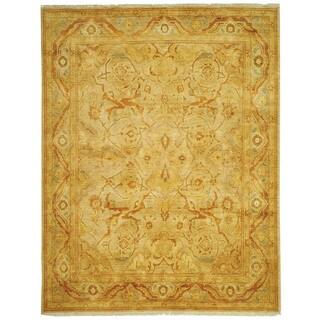 Safavieh Hand-knotted Peshawar Vegetable Dye Light Gold/ Dark Gold Wool Rug (6' x 9')