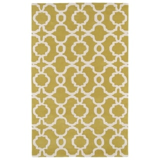 Hand-tufted Cosmopolitan Trellis Yellow/ Ivory Wool Rug (8' x 11')