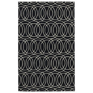 Hand-tufted Cosmopolitan Circles Black/ Ivory Wool Rug (5' x 7'9)