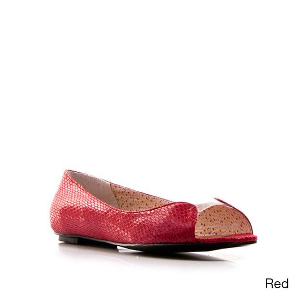 Gomax Women's 'Jeni 15' Patent Leather Embossed Flats