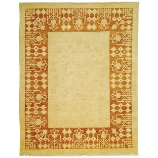 Safavieh Hand-knotted Peshawar Vegetable Dye Ivory/ Gold Wool Rug (6' x 9')