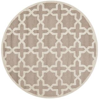 Safavieh Handmade Moroccan Cambridge Beige/ Ivory Wool Rug (10' Round)